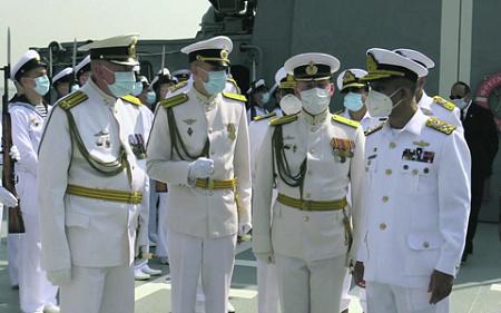 До последнего времени взаимоотношения Москвы с Исламабадом были далеко не безоблачными. Российские и пакистанские моряки на учениях AMAN 2021. Фото с сайта www.mil.ru
