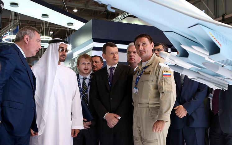 Вице-премьер РФ Дмитрий Рогозин и наследный принц Абу-Даби, заместитель Верховного главнокомандующего вооруженными силами ОАЭ Мухаммед бен Заид Аль Нахайян.