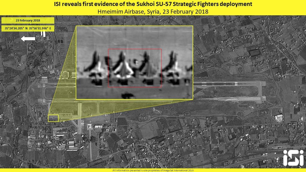 Два опытных образца самолета Т-50 (Су-57) на стоянке на авиабазе Хмеймим в Сирии. Снимок cделан 23.02.2018 коммерческим спутником EROS-B компании ImageSat International.