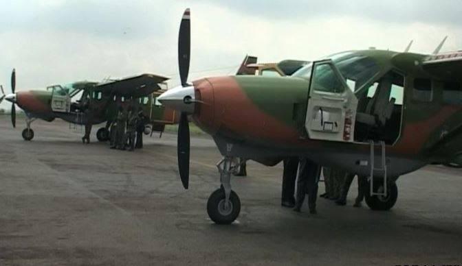Два полученных из США в порядке помощи легких разведывательных самолета Cessna RC-208 ВВС Камеруна. Яунде, 11.05.2018.