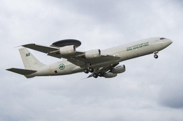 Один из пяти самолетов ДРЛО E-3A AWACS ВВС Саудовской Аравии.