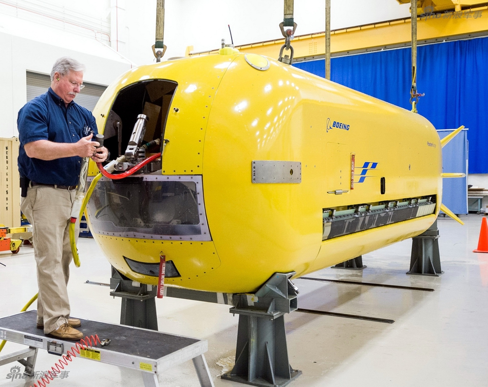 Необитаемый подводный аппарат Echo Voyager.