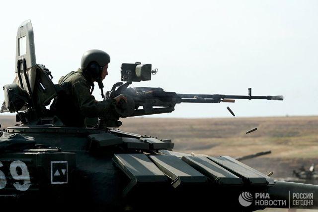 Экипаж танка мотострелковой дивизии. Архивное фото