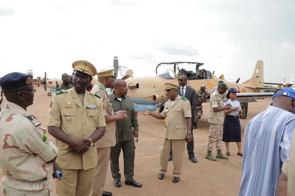 УБС Embraer EMB-314 (А-29) Super Tucano ВВС Мали.