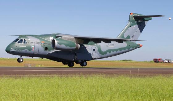 Самолет KC-390
