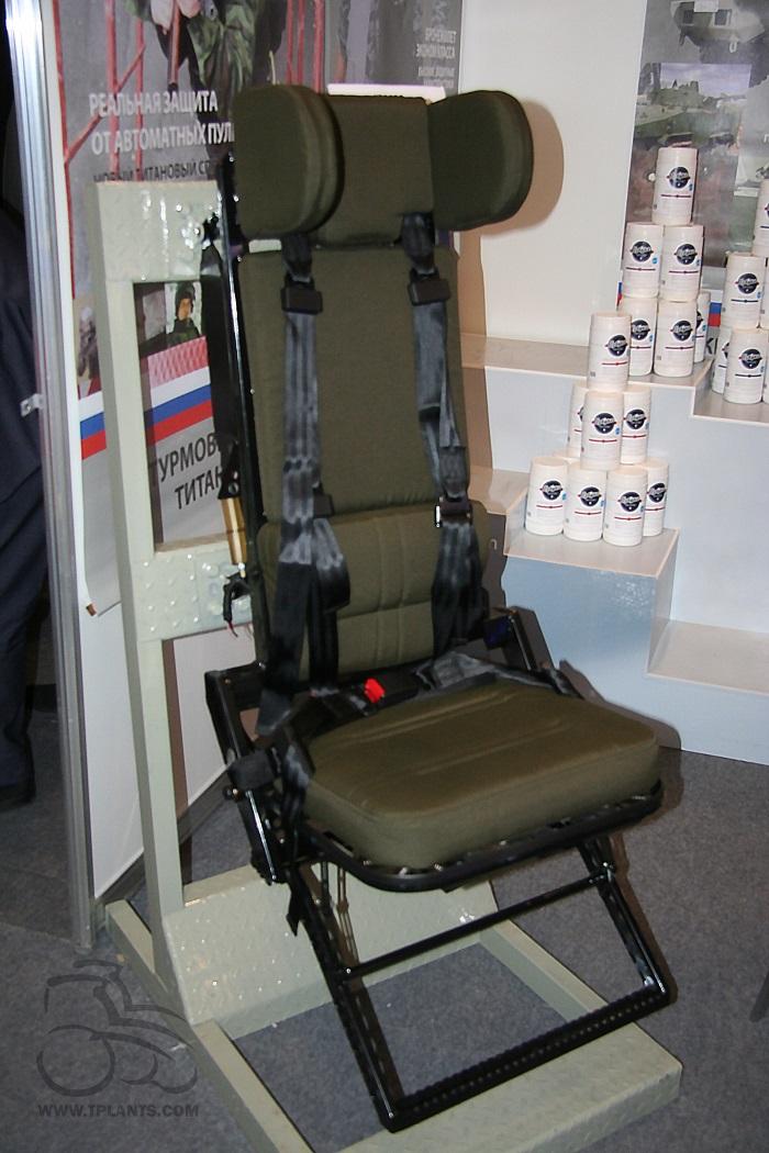 Первый экспонат энергопоглощающего кресла производства «НИИ стали».