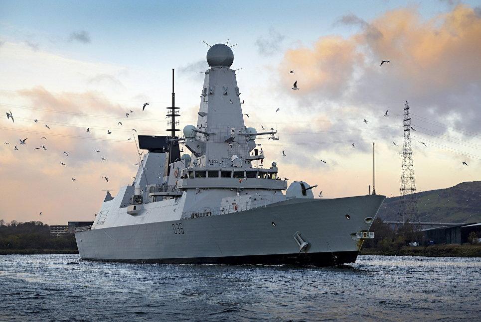 Эскадренный миноносец типа 45 HMS Diamond.
