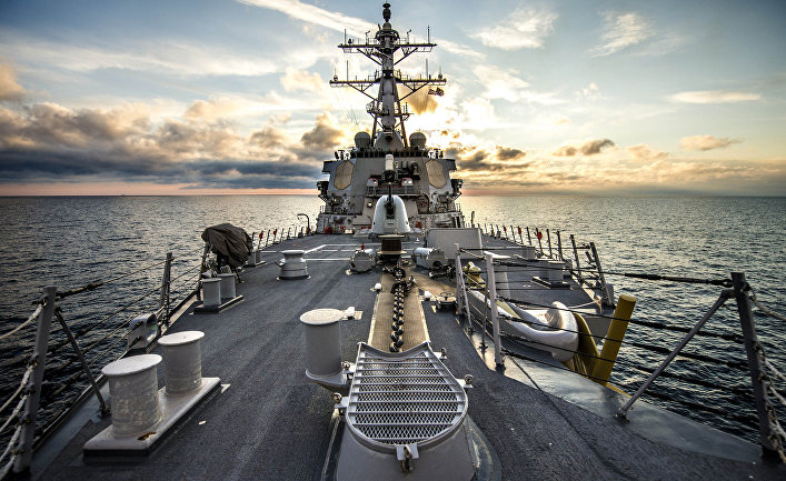 """Эскадренный миноносец ВМС США четвёртого поколения """"Дональд Кук""""."""