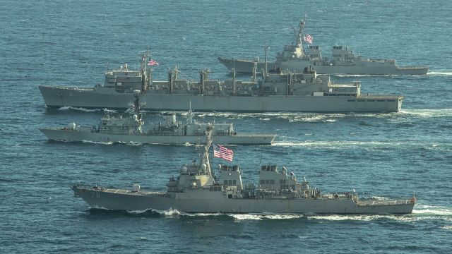 """Эсминцы ВМС США """"Портер"""", """"Дональд Кук"""" и """"Франклин Рузвельт"""" и британский фрегат """"Кент"""" во время учений в Баренцевом море. 5 мая 2020"""