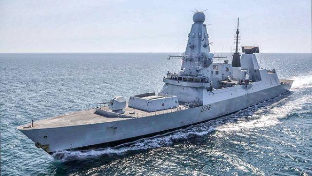Эсминец британских ВМС Defender вторгся в территориальные воды России