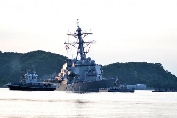 Эсминец USS Fitzgerald ВМС США.
