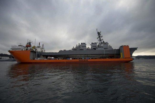 Эсминец ВМС США Fitzgerald (DDG 62).