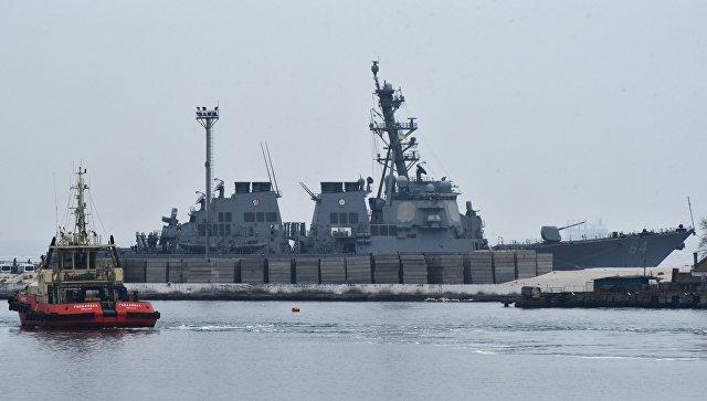 Эсминец ВМС США Карни (Carney DDG64) в порту Одессы. 8 января 2018.