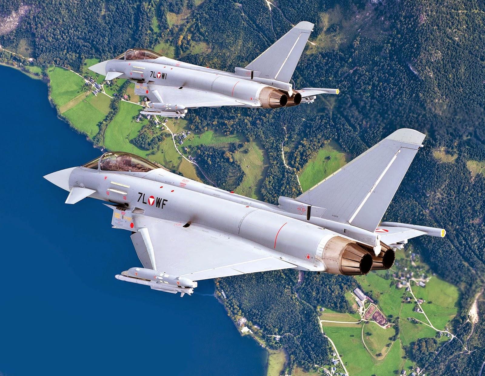 Пара истребителей Eurofighter Typhoon ВВС Австрии (бортовые номера 7L-WI и 7L-WF) (c) Eurofighter / Airbus.