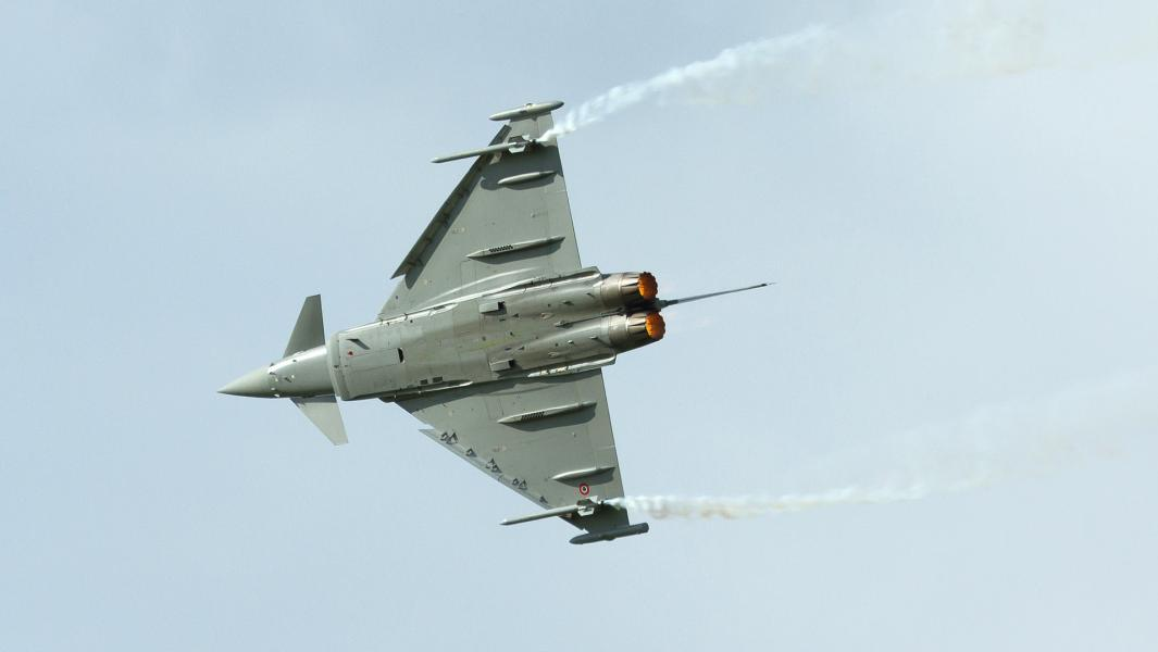Истребитель Eurofighter Typhoon.