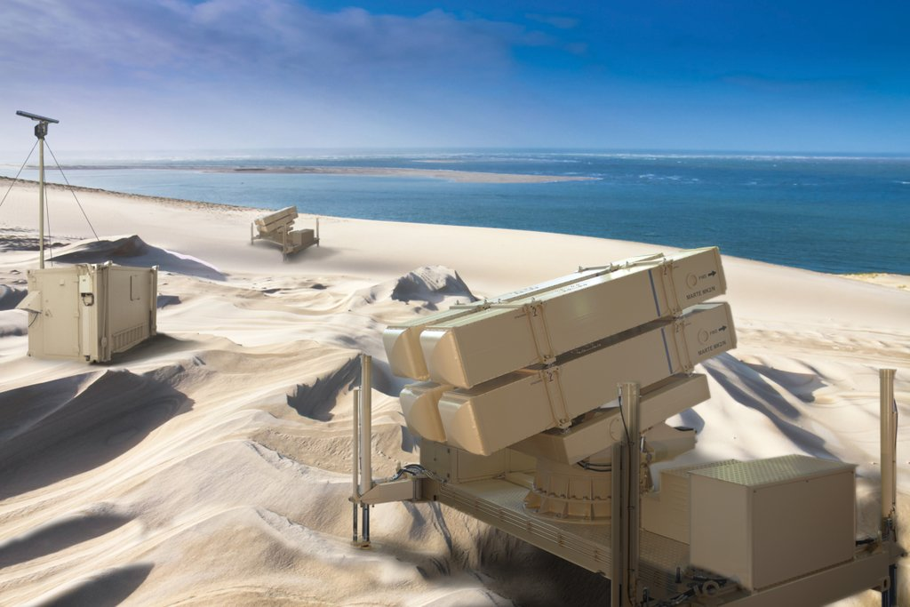Изображениe элементов батареи приобретаемого Катаром нового подвижного берегового противокорабельного ракетного комплекса разработки MBDA с противокорабельными ракетами Exocet MM40 Block 3 и Marte ER.