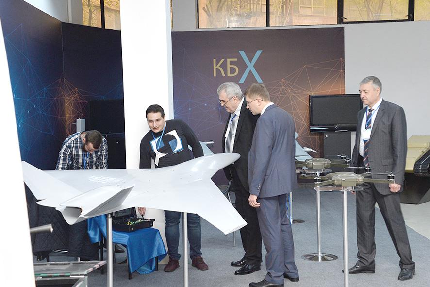На одной из экспозиций Международной выставки вооружений и оборонных технологий ArmHiTec-2018 в Ереване.