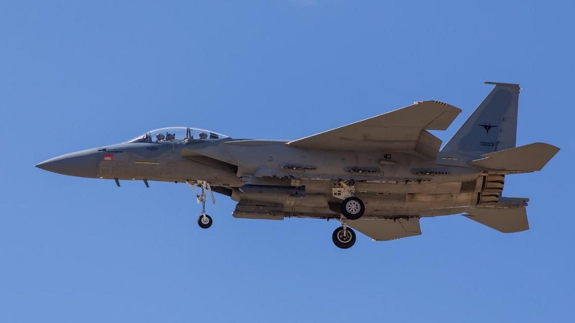 Третий изготовленный для ВВС Саудовской Аравии истребитель Boeing F-15SA Eagle (номер ВВС США 12-1003, серийный номер SA3) во время продолжающихся испытаний в летно-испытательном центре ВВС США Plant 42 на авиабазе Палмдейл (Калифорния), 2016 год.
