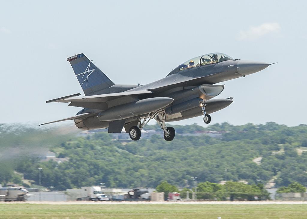 Испытания подвесной прицельной системы Legion Pod на истребителе F-16