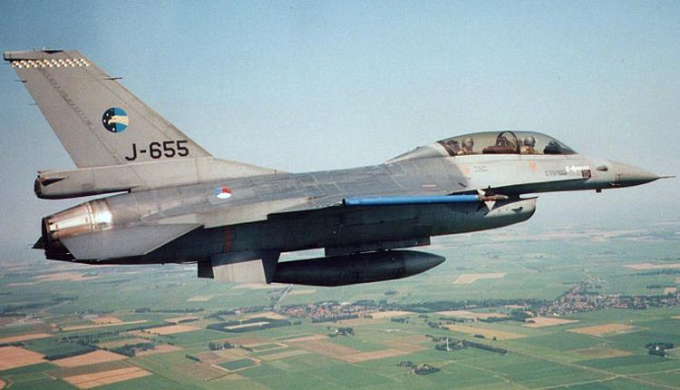 Истребитель F-16B ВВС Нидерландов