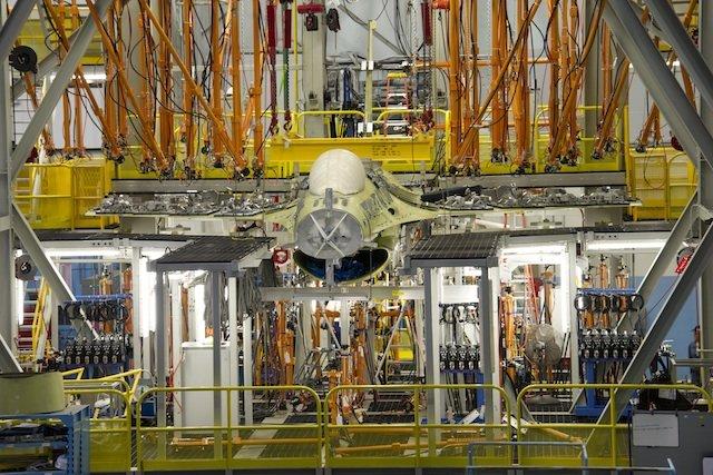 Наземная тестовая программа истребителя F-16C Block 50