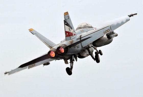 Истребитель-бомбардировщик F-18/A-F