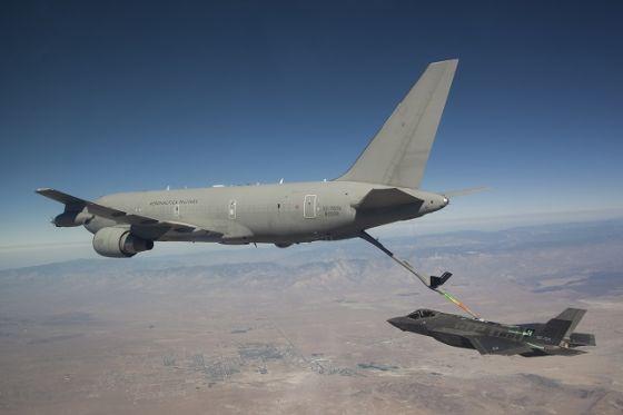 Самолеты F-35A и КС-767А