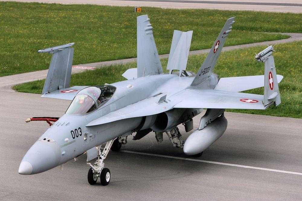 Истребитель F/A-18C/D ВВС Швейцарии