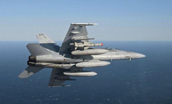 Самолет Boeing F/A-18E Super Hornet