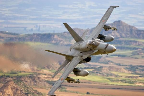 Истребитель McDonnel Douglas F/A-18 Hornet ВВС Испании.
