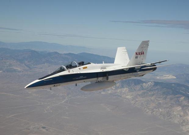 Опытовый истребитель F/A-18 Hornet.
