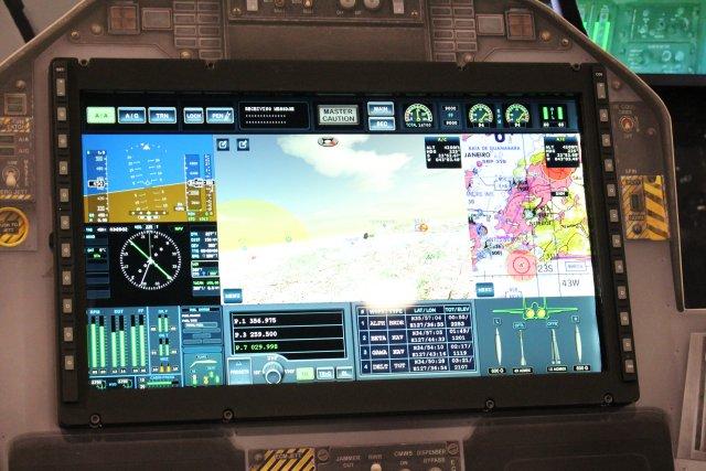 Новый дисплей самолета F/A-18E/F Super Hornet Block III.