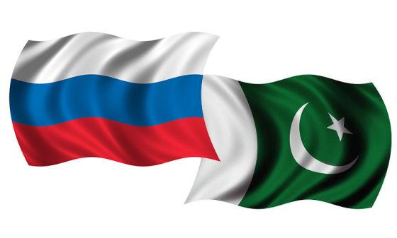 Флаги России и Пакистана