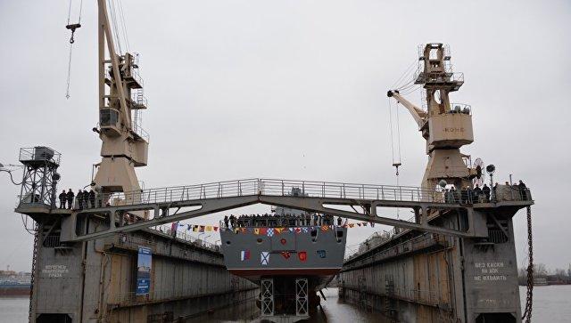 Торжественная церемония спуска на воду фрегата Адмирал флота Касатонов.