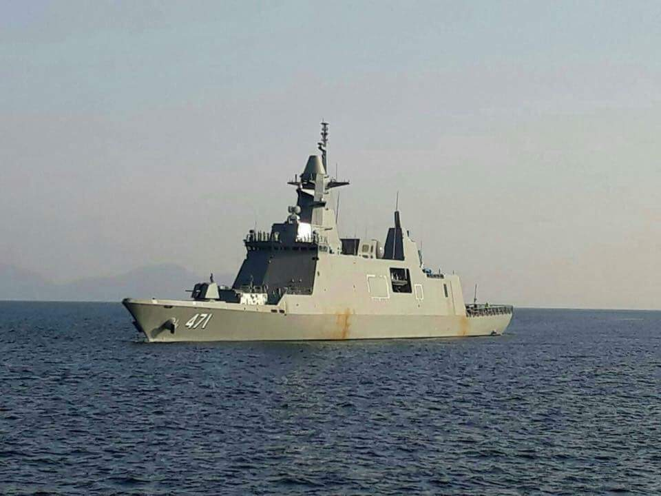 Построенный южнокорейской судостроительной корпорацией Daewoo Shipbuilding & Marine Engineering (DSME) для ВМС Таиланда фрегат Tachin проекта DW3000 на испытаниях. Декабрь 2017 года.