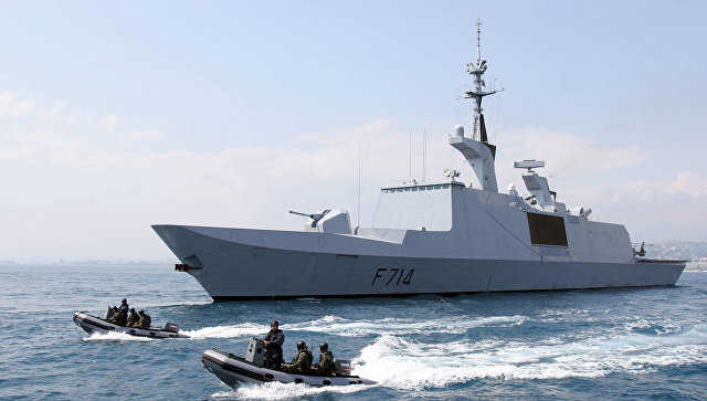 Фрегат ВМС Франции La Guepratte.