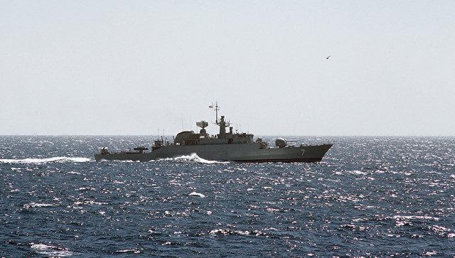Фрегат ВМС Ирана. Архивное фото.