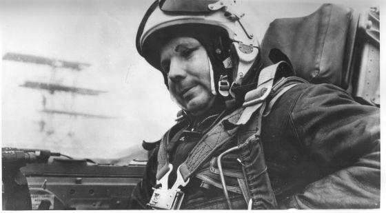 Ю.А.Гагарин перед последним полетом