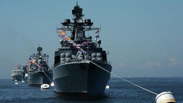 Генеральная репетиция военно-морского парада ко дню ВМФ во Владивостоке