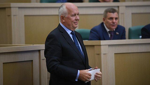 Генеральный директор государственной корпорации Ростех Сергей Чемезов на первом заседании осенней сессии Совета Федерации РФ. 27 сентября 2017.