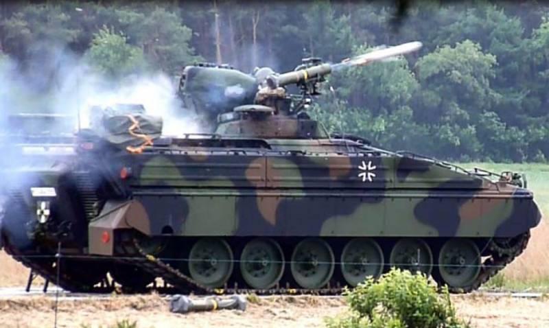 Германская боевая машина пехоты Marder 1A5, оснащенная противотанковым ракетным комплексом MELLS (Spike-LR), во время испытаний, 2017 год.
