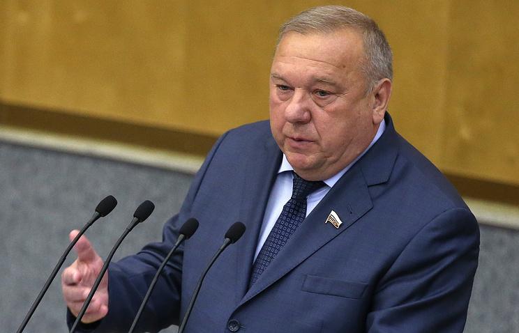 Глава комитета Госдумы по обороне Владимир Шаманов.