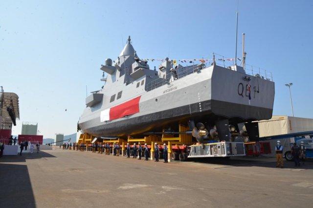 """Головной строящийся для ВМС Катара на верфи итальянского судостроительного объединения Fincantieri в Мудджиано """"патрульный корабль"""" (малый ракетный корвет) Q 61 Musherib перед спуском на воду, 18.09.2020"""