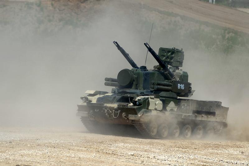 """зенитная самоходная установка 2С6М1 """"Тунгуска""""."""