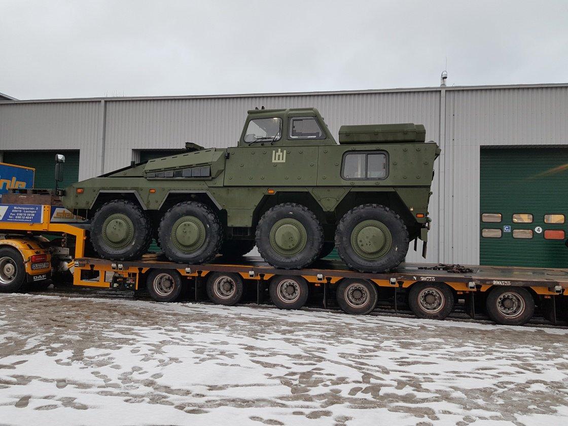 Один из двух первых полученных вооруженными силами Литвы колесных бронетранспортеров германского производства GTK Boxer (Vilkas) в учебном варианте. 15.12.2017.
