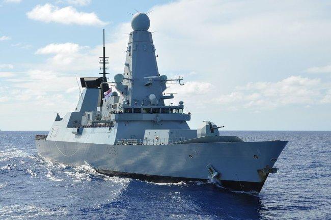 Эскадренный миноносец типа 45 (HMS Daring).