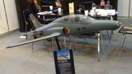 Модель самолета IAR-99 TD