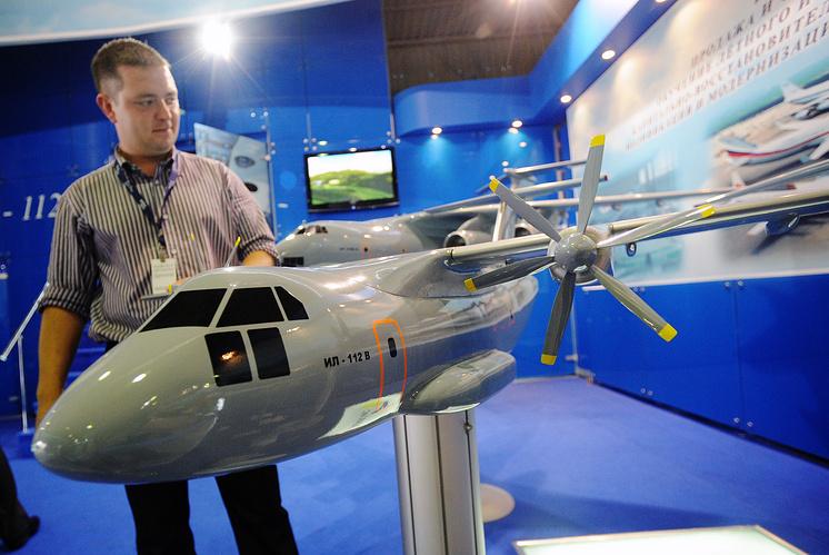 Макет военно-транспортного самолета Ил-112В.