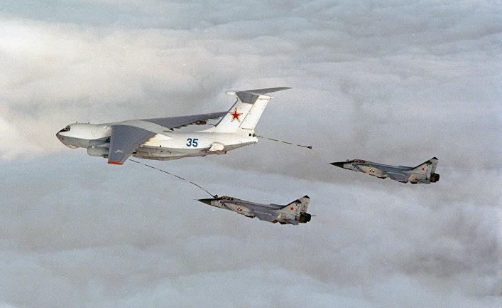 Ил-76 и Миг-31 в небе над Норвегией.