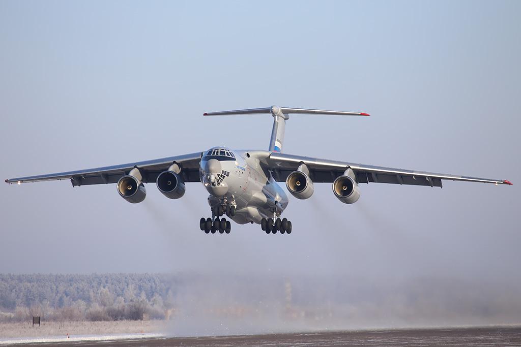Первый летный опытный образец самолета Ил-76МД-90А (серийный номер 0102, регистрационный номер RA-78650) отправляется в первый полет по второму этапу заводских испытаний. Ульяновск, 14.12.2016.